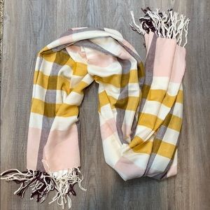 H&M plaid scarf NWT
